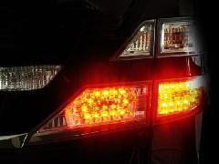 20ヴェルファイア ブレーキ4灯化キット