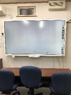 電子黒板・テレビ壁掛け工事
