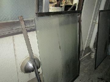 所沢市 事務所の窓ガラスの修理