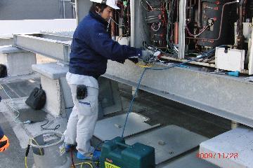 ビル用空調機室外機フロンガス回収室内機移動設置後復旧工事