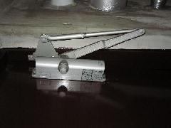 防火戸閉鎖不良の修理事例