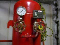 スプリンクラー圧力タンク内減圧対応工事事例