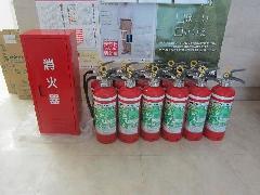 新型消火器やその格納箱の交換事例