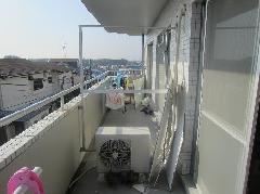 マンションのベランダ隔て壁改修