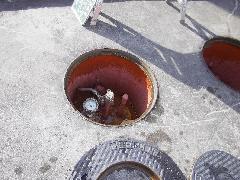 地下タンク機密漏洩検査風景