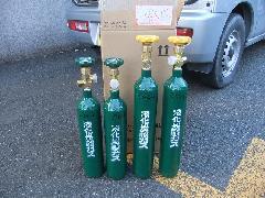 粉末消火設備のガスボンベ交換