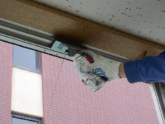 所沢市内オープン間近のディスカウントショップにて排煙窓修理事例