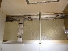 飲食店内の排煙窓ワイヤー修理事例