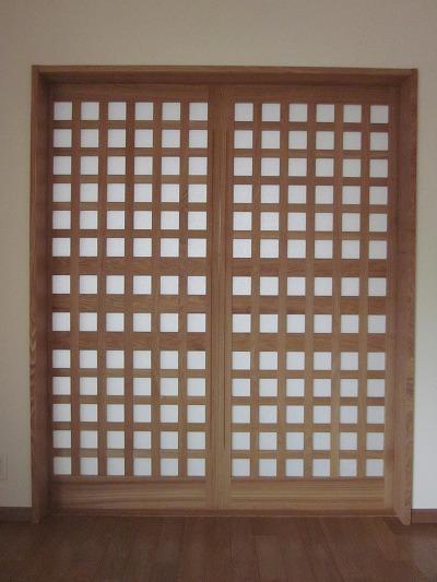 タモ材無垢格子引き戸(リビング〜和室)