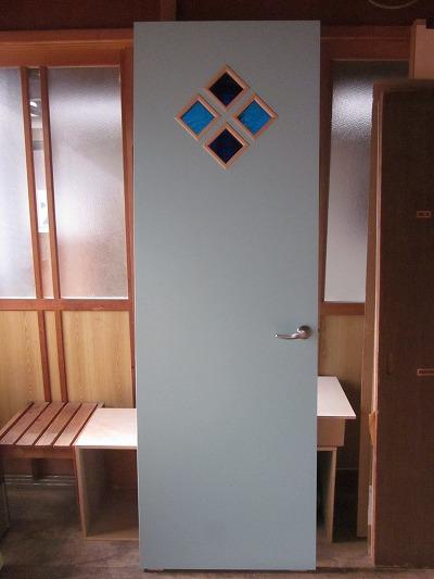 子供部屋ドア(琉球ガラス入り)