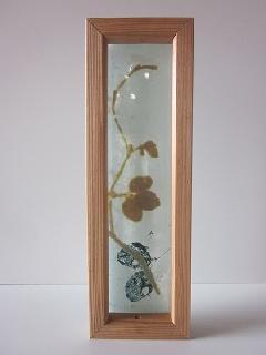 �Cガラス引手(ブラック&ゴールドみつ葉)白ガラス