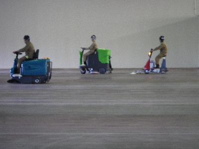 大型物流倉庫の清掃