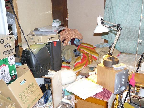 遺品整理とハウスクリーニング作業