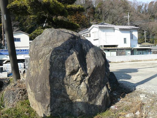 愛甲郡の庭石を遺品整理