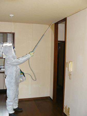 オゾン消臭・除菌器材で特殊清掃