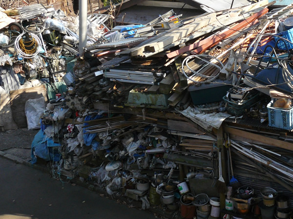 ゴミ屋敷片付けと清掃作業