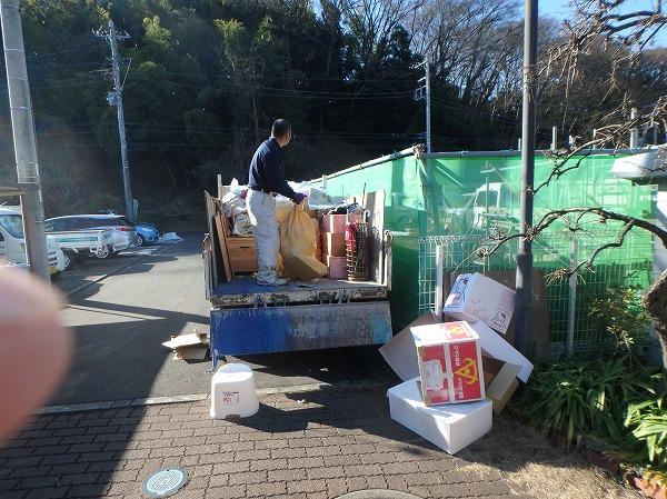 荷物y整理トラック