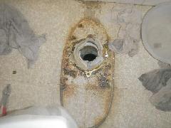 都内事務所ビルの排水管洗浄