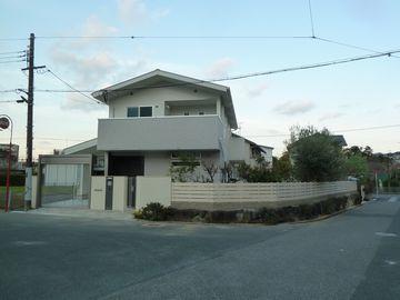 横板張りの外構 & 果樹とテラスの庭 (レンガ敷きテラス 樹枝板塀)堺市南区 泉北