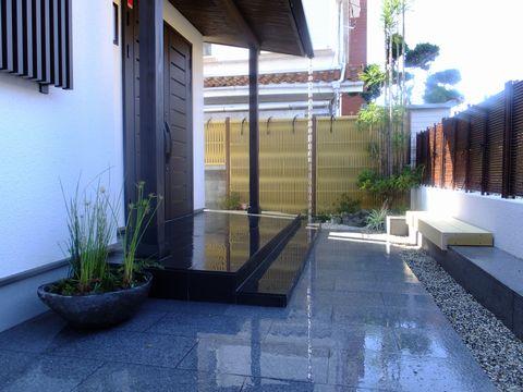 自然石のプランター  (盆庭 盆景 川石水鉢 水生植物)吹田