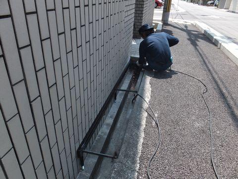 溝蓋架台の設置