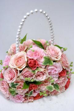 淡いピンクグラデーションのバッグブーケ