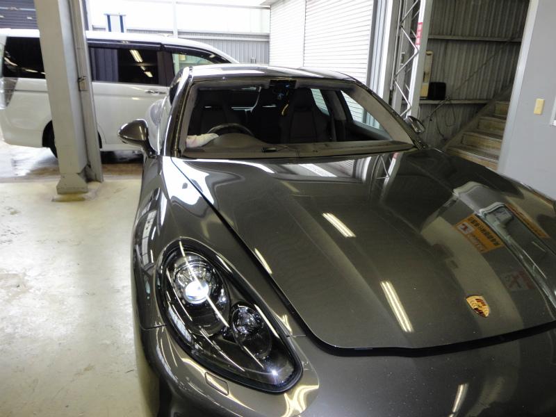 フロントガラス交換 フロントガラス交換 Porsche:ポルシェパナメーラ