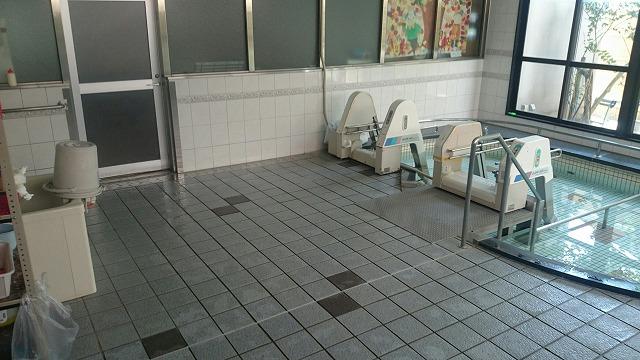 老人介護施設 浴室タイルの滑り止め施工