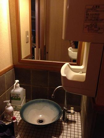 丸の内の店舗のトイレ清掃