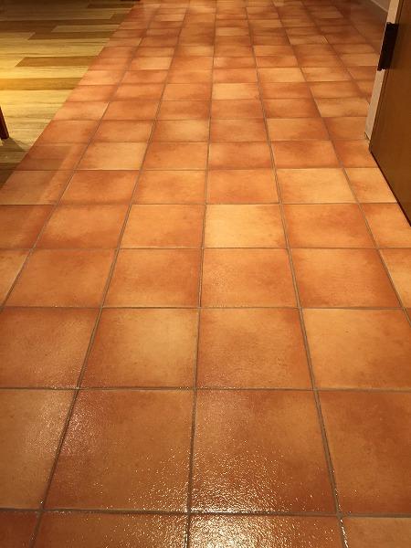 美容室の床