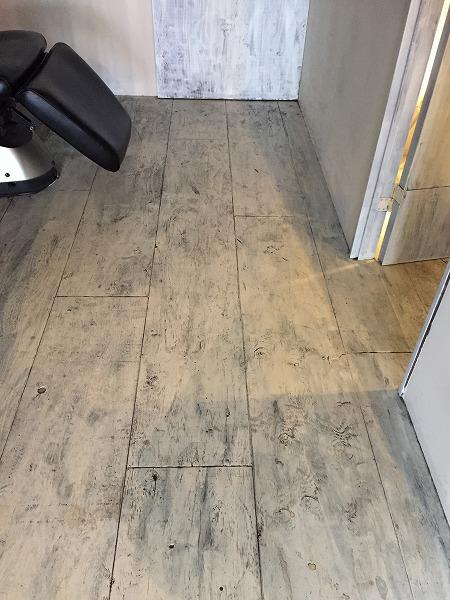 美容院の床清掃