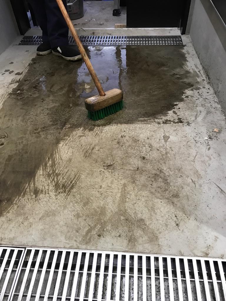 新宿店舗清掃