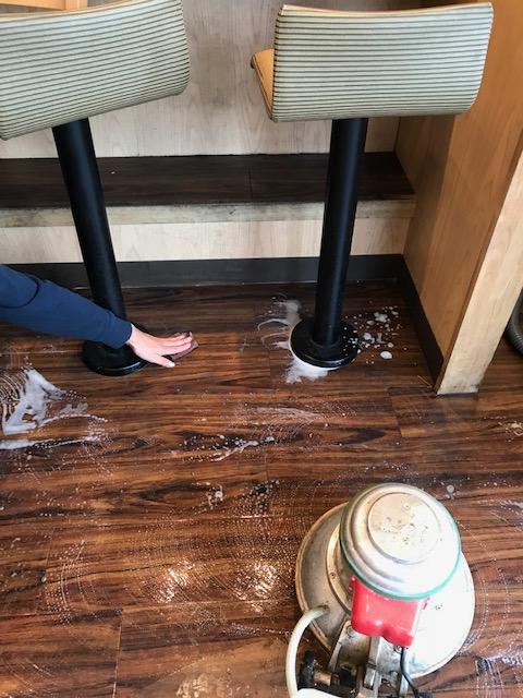 松戸市 床清掃
