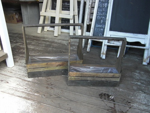 取っ手付き木箱M