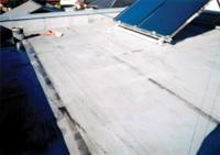 この屋根の全面補修…
