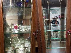 千葉県花見川区 食器棚ガラスくもり除去・磨き施工