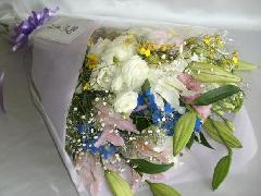 お供え花束・淡色
