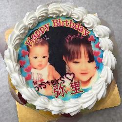 こども達のプリントケーキはママのお誕生日のお祝いです♪