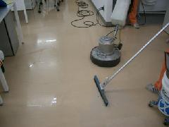オフィス床清掃 埼玉県 越谷市