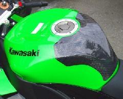 '08〜'10 ZX−10R タンクプロテクター<TANK PROTECTOR>