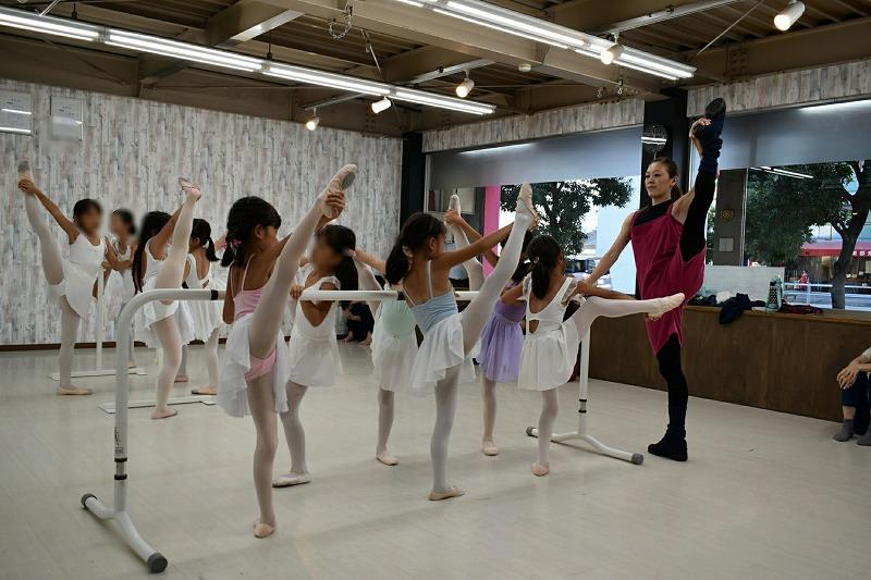 Tomoyo Ballet academy トモヨバレエアカデミーレッスン風景