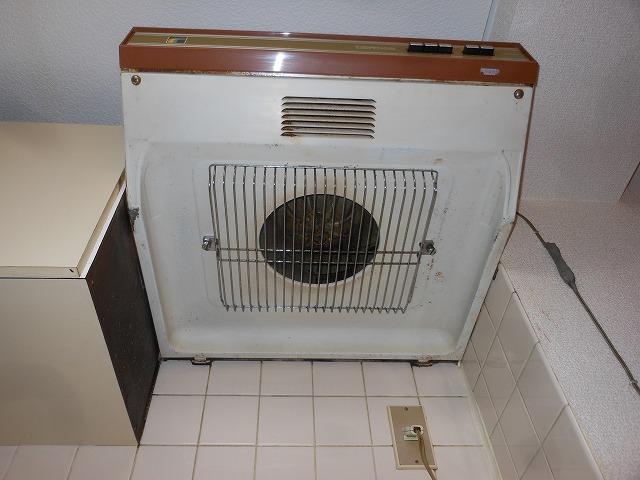 船橋市夏見アパート  台所換気扇  クリーニング