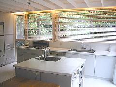 世田谷区・リフォーム・明るく広いキッチン