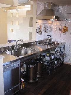 練馬区の事例!シンク一体型オールステンレスのI型キッチン製作
