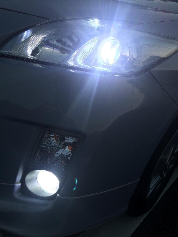 トヨタ・プリウスのヘッドライト