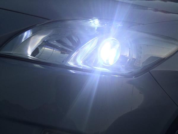 プリウスのヘッドライト&FOGランプをLED化