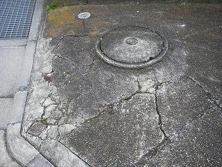 駐車場に付随する修繕工事