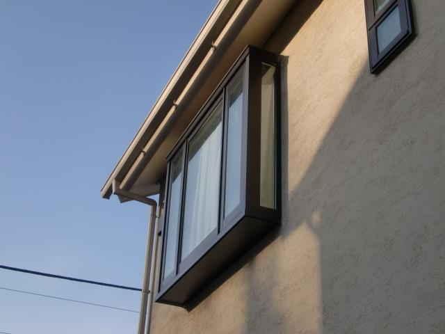 窓ガラスの汚れは、せっかくの景観がくすんでしまうばかりか、汚れを放置すると「水垢」となってしまいます。