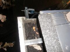 世田谷区の戸建住宅の雨樋清掃