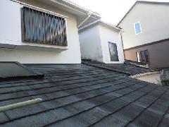 都内目黒区の戸建て住宅で実施!トップライト(天窓)清掃作業事例